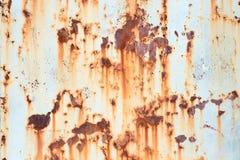 Alte gemalte Metallbeschaffenheit mit Spuren des Rosts Stockfoto