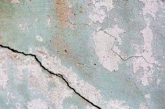 Alte gemalte Wand Grüne und rosa Schadenoberfläche Schalenfarbenhintergrund Stein demaged Hintergrund Lizenzfreies Stockfoto