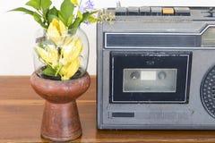 Alte Generation der älteren Audiokassette 20-jährig vor stockbild