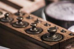 Alte Gewichte für Balance Lizenzfreies Stockbild