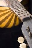 Alte Gitarrennahaufnahme Stockfotos