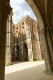 Alte gotische Abtei - Abtei von San Galgano, Toskana, Italien Lizenzfreie Stockbilder