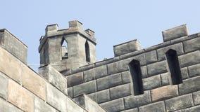 Alte gotische Steinwand des Schutts Stockbild