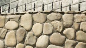 Alte gotische Steinwand des Schutts Stockfotos
