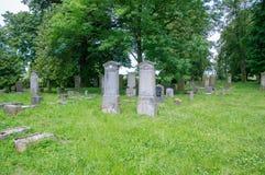 Alte Gräber am größten mennonitischen Kirchhof im Norden von Polen Stockfoto