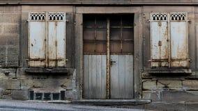 Alte Grunge Tür Stockfoto