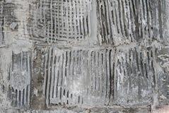 Alte grungy Beschaffenheit, graue Betonmauer Detail des alten hölzernen Fensters Stockfoto