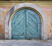 Alte grungy Holztür, ziehend ab Stockfoto
