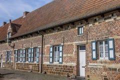 Alte Häuser der Vlierbeek-Abtei nahe Löwen Lizenzfreie Stockbilder