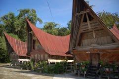Alte Häuser des Stammes Batak Stockbild