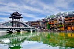 Alte Häuser in Fenghuang-Grafschaft in Hunan, China lizenzfreies stockfoto