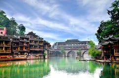 Alte Häuser in Fenghuang-Grafschaft in Hunan, China Stockfoto