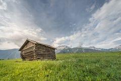 Alte hölzerne Bauernhofhallenhütte Lizenzfreie Stockfotografie