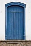Alte hölzerne blaue Tür Lizenzfreie Stockfotografie