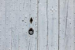 Alte hölzerne blaue Tür in Gordes Provence Stockfotos