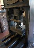 Alte hölzerne Blockformatdruckmaschine Stockfoto
