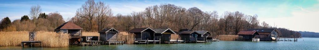 Alte hölzerne Bootshäuser Lizenzfreies Stockbild