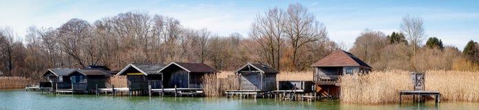Alte hölzerne Bootshäuser Lizenzfreie Stockfotografie