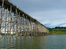 Alte hölzerne Brücke Lizenzfreies Stockbild