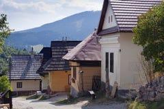 Alte hölzerne Häuser Stockbilder