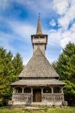 Alte hölzerne Kirche Lizenzfreie Stockfotos