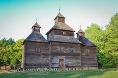 Alte hölzerne Kirche Lizenzfreies Stockfoto