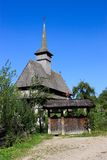 Alte hölzerne Kirche in Salistea de Sus, Maramures Lizenzfreies Stockfoto
