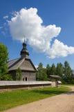 Alte hölzerne Kirche, Weißrussland. Lizenzfreie Stockfotografie