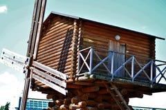 Alte hölzerne Mühle stockfoto