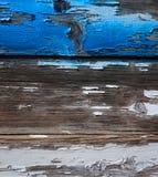 Alte hölzerne Planken mit verwitterter blauer und weißer Farbe Lizenzfreies Stockbild