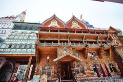 Alte hölzerne Struktur bei Izmailovsky der Kreml, Moskau Lizenzfreie Stockfotografie