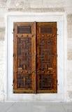 Alte hölzerne Türen Lizenzfreie Stockbilder