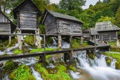 Alte hölzerne Wassermühlen, Jajce (Bosnien und Herzegowina) Stockbild