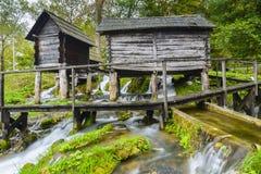 Alte hölzerne Wassermühlen, Jajce (Bosnien und Herzegowina) Stockbilder