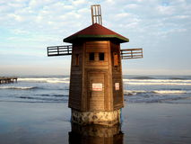 Alte hölzerne Windmühle Lizenzfreie Stockbilder