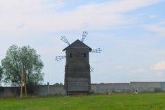 Alte hölzerne Windmühle Stockfoto
