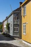 Alte hölzerne Wohnhäuser Trondheim Stockbild
