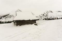 Alte Hütte im Winter im Gasienicowa-Tal Tatra Berge PO Lizenzfreie Stockbilder