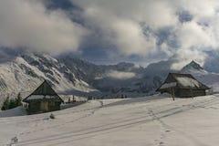 Alte Hütten im Gasienicowa-Tal Tatra Berge polen Lizenzfreie Stockfotos