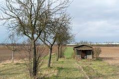 Alte Hallen-und Bauernhof-Felder Lizenzfreie Stockfotos