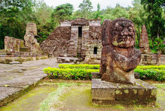Alte hindische Tempel in Jawa Stockbilder