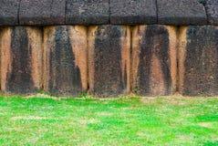Alte historische Laterite-Wand, Hintergrund-Beschaffenheit Lizenzfreie Stockfotos