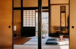 Alte historische Samuraihäuser in Kirschblüte-Stadt, Chiba, Japan stockfotos