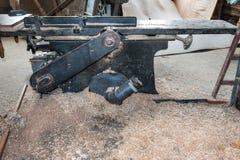 Alte Hobelmaschine in der Schreinereiwerkstatt Lizenzfreie Stockbilder