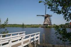 Alte holländische Windmühle in Holland Stockbild