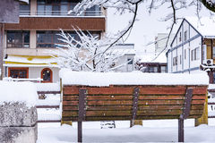 Alte Holzbank Lizenzfreies Stockfoto