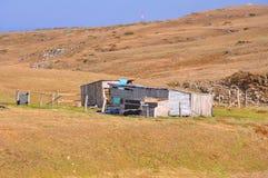 Alte Holzhäuser auf der Hochebene von Lagonaki Kaukasische Reserve, Lizenzfreies Stockfoto