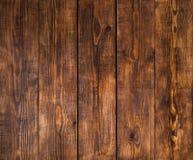 Alte Holzoberfläche mit Sprüngen, Kratzern, Strudeln, Kerbe und Chips Lizenzfreies Stockbild