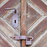 Alte Holztür stockbild