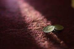 Alte Inder 50 paise Münzenphotographie Lizenzfreie Stockfotos